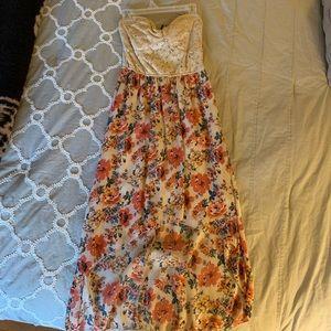 Dresses & Skirts - High-low Spring Strapless Dress 🌷